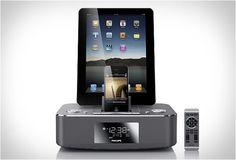 Philips DC390/37   A Dual Docking System For iPod, iPhone or iPad
