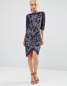 Get this Jessica Wright's cotton dress now! Click for more details. Worldwide shipping. Jessica Wright 3/4 Sleeve Lace Pencil Dress With Contrast Lining - Navy: Dress by Jessica Wright, Lined lace, High neckline, Scalloped edges, Shaped hem, Zip back, Hook and eye fastening, Regular fit - true to size, Machine wash, 100% Polyester, Our model wears a UK 8/EU 36/US 4 and is 174cm/5'8.5 tall. (vestido de algodón, basic, basico, basica, básico, basicos, casual, clasica, clasicas, clásicas…