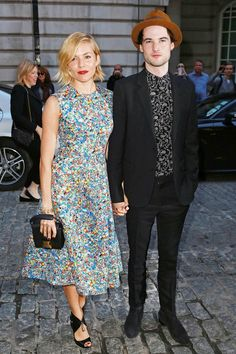 Sienna Miller wore a Roksanda dress with Nicholas Kirkwood heels and a Christopher Kane bag to attend the premiere with Tom Sturridge, who wore Saint Laurent.