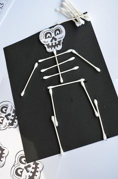 This is an activity for students that would be cute to do during Halloween season. As they make a Halloween craft the students will learn the different body parts while using house hold items as the bones.