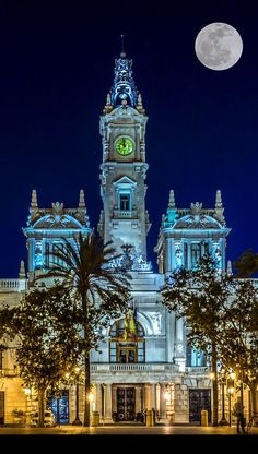 Valencia Town Hall, Valencia, Spain Travel, world, places, pictures, photos, natures, vacations, adventure, sea, city, town, country, animals, beaty, mountin, beach, amazing, exotic places, best images, unique photos, escapes, see the world, inspiring, must seeplaces.