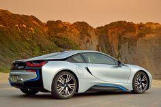 #BMW #I8 Born Electric. Con un alba così non si può iniziare meglio la giornata..