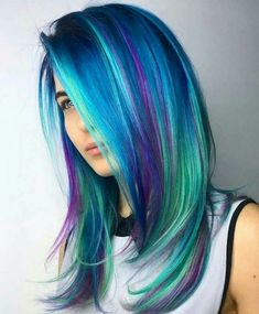 24 Blue And Purple Hair Looks That Will Amaze You Increíble cabello azul con reflejos morados Bright Hair Colors, Hair Dye Colors, Bright Coloured Hair, Blue Hair Colors, Rainbow Hair Colors, Peacock Hair Color, Bright Blue Hair, Pastel Rainbow Hair, Dyed Hair Pastel