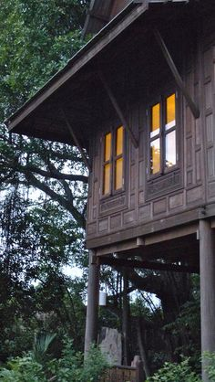 Guest House Side at JNAG Thai Wood House Resort house thai Filipino Architecture, Philippine Architecture, Timber Architecture, Architecture Design, Asian House, Thai House, Wood Houses, House Siding, Gothic House