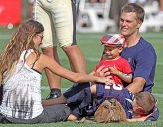 A Pregnant Gisele Bundchen And Benjamin Brady Visit New England Patriots Training Camp - Socialite Life
