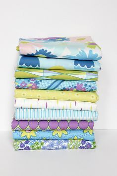 Dreamin Vintage Fat Quarter Bundle MERRY by VintageModernFabrics, $25.50