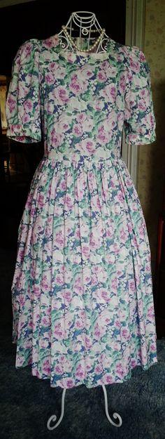81b3e0724e Vintage Laura Ashley Dress 1980   Size SM   Floral by lizziebear59