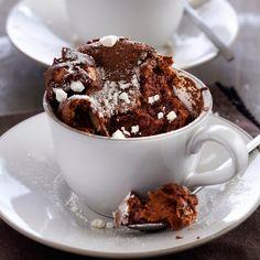 Découvrez la recette mugcake au chocolat croustillant sur cuisineactuelle.fr.