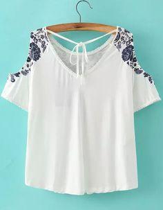 Blusa hombro al aire cuello V flores -blanca-Spanish SheIn(Sheinside)