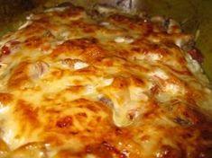 Zöldséges húsos egytálétel recept Hungarian Recipes, Garlic Bread, Lasagna, Feta, Cheese, Ethnic Recipes, Dios, Lasagne