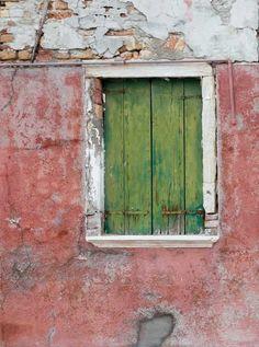1674 Green Wood Window Backdrop