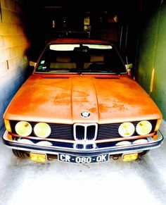 BMW e21 320i sortie de garage #BarnFind #SunBurn