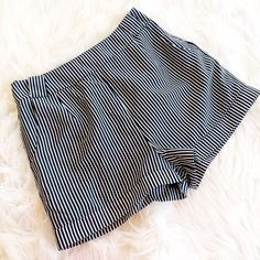 """BOUTIQUE STRIPED SHORTS Medium will fit an 8 best. From one of their brand Miami 14"""" length 2"""" inseam  **bundles save 10%** no holds/no trades/no modeling/no asking for lowest Francesca's Collections Shorts"""