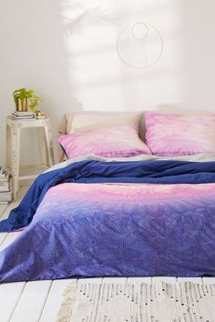 Shop Magical Thinking Moroccan Sunset Duvet Cover at Urban Outfitters today. Twin Xl Bedding, Pink Bedding, Cotton Bedding, Vintage Apartment Decor, Duvet Covers Urban Outfitters, King Size Duvet, Magical Thinking, Cozy Bed, Awesome Bedrooms