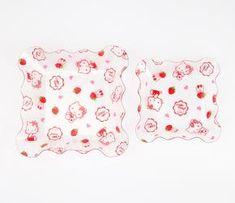 Hello Kitty 2 Piece Scallop Plates: Strawberry