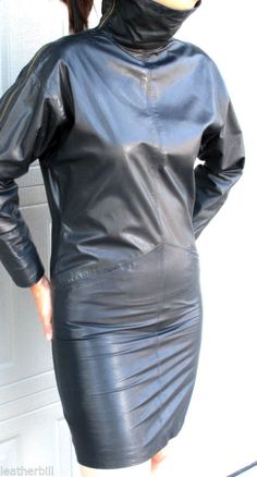 SLEEK VAKKO BLACK LEATHER  SHEATH  DRESS  - ZIPPERED SHOULDERS - size SMALL