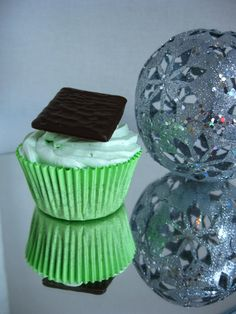 After Eight Cupcake: Chocolate Cupcake with mint cream and after eight chocolate