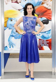 Katy Perry in Tadashi Shoji at the Smurfs 2 LA premiere #fashion #blue