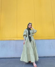Hijab Fashion Summer, Korean Fashion Dress, Muslim Fashion, Fashion Drawing Dresses, Fashion Dresses, Beautiful Dress Designs, Hijab Fashion Inspiration, Mode Hijab, Long Dresses