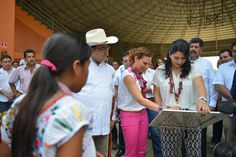 Duarte de Ochoa manifestó que su administración ha entregado a la fecha dos mil 346 proyectos, que han beneficiado a más de 14 mil mujeres del estado, entre ellos, carpinterías, panaderías, molinos de nixtamal y cría de borregos.