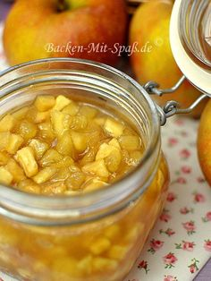 Baked Apple Jam - Sweet, winter jam is ideal as a side dish for pancakes, waffles, cakes or as an insert for natural - Apple Desserts, Apple Recipes, Easy Desserts, Sweet Recipes, Baking Recipes, Dessert Recipes, Snack Recipes, Healthy Recipes, Dessert Simple