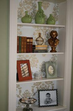 how to make living rooms built in shelves look current Styling Bookshelves, Bookcase Shelves, Built In Shelves, Bookcases, Book Shelves, Wallpaper Bookcase, Dream Decor, Basement Remodeling, Living Room Designs