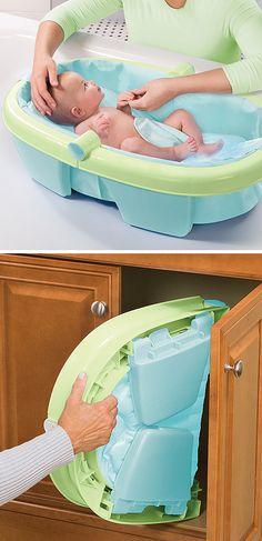 Newborn and toddler bath tub - folds for easy storage