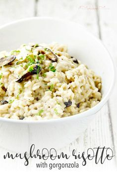 There is so much flavor in this easy Mushroom Risotto with Gorgonzola recipe! It's creamy and rich, perfect for a holiday side dish or a special dinner. Pin to save it for your Christmas and Thanksgiving meal! Healthy Side Dishes, Side Dish Recipes, Dinner Recipes, Rice Recipes, Noodle Recipes, Cheesy Recipes, Pasta Recipes, Appetizer Recipes, Holiday Recipes