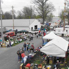 Tiffin Flea Market at the Seneca Co. Cincinnati Neighborhoods, Tiffin Ohio, Antiques Road Trip, Great Places, Places To Visit, Yard Sales, Travel Log, Amish Country, Flea Markets