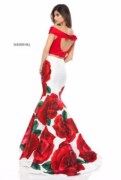 Sherri Hill 51850 Spring 2018 Collection Red and White Fitted Mermaid Floral Print 2 Piece Ypsilon Dresses Prom Pageant Homecoming Sweethearts School Dance Inspiration Formal Formalwear Sherri Hill Prom Dresses, Homecoming Dresses, Floral Prom Dress Long, Trendy Dresses, Fashion Dresses, School Dance Dresses, Formal Gowns, Dress Formal, Buy Dress