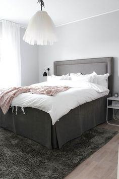 BÄSTA KÄNSLAN I SOVRUMMET Bedrooms, Furniture, Home Decor, Quartos, Interior Design, Decoration Home, Room Decor, Bedroom, Home Furnishings