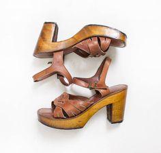 Vintage 1970s Shoes  Wooden Platform Sandals Brown Braided