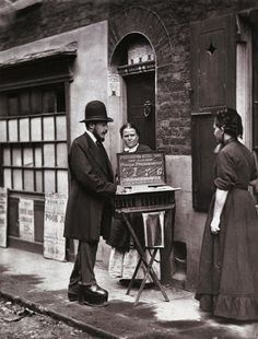 Street Doctor: c.1877, John Thomson