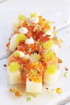 tartar of frsch salomon, apple, cucumber and horseradish cream