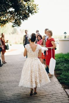 Photography: The Hearts Haven - www.theheartshaven.com  Read More: http://www.stylemepretty.com/california-weddings/2014/06/20/sweet-elopement-at-mural-room-of-the-santa-barbara-courthouse/