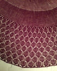And another magnificent Diva shawl! This one was made by my lovely tester StarStrong. http://ift.tt/1QgyBU8  #knitting #breien #divashawl #lavischdesigns
