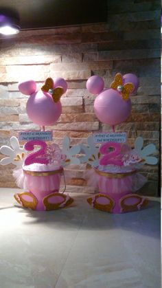 Minnie Mouse Centerpieces by mariscraftingparty on Etsy https://www.etsy.com/listing/279411040/minnie-mouse-centerpieces