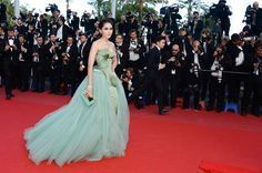 Araya A. Hargate en Cannes, France.