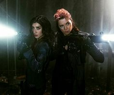New Image - Lucy Lawless and Dana DeLorenzo - Ash vs Evil Dead - season 2