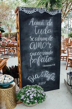 Casamento clássico na fazenda - Christian Wedding Signs - Wedding Looks, Perfect Wedding, Dream Wedding, Wedding Day, Wedding Favors, Wedding Ceremony, Wedding Decorations, Wedding Advice, Plan Your Wedding