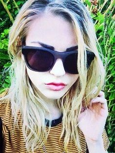 Frances Bean Cobain looks like her father