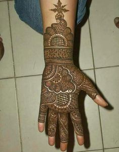 Are you looking for some fascinating design for mehndi? Or need a tutorial to become a perfect mehndi artist? Full Hand Mehndi Designs, Indian Mehndi Designs, Henna Art Designs, Mehndi Designs 2018, Mehndi Designs For Girls, Mehndi Designs For Beginners, Modern Mehndi Designs, Mehndi Design Pictures, Wedding Mehndi Designs