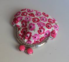 Pink poppies Coin Purse, Kiss Lock Purse, Womens Accessory, Little Money Bag, Small Gift for Mom, Retro Coin Purse, Change Holder,