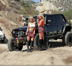 Jeep Wrangler Girl, Jeep Wrangler Rubicon, Jeep 4x4, Jeep Truck, Trucks And Girls, Car Girls, Sexy Cars, Hot Cars, Jeep Baby