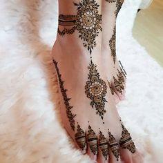 Henna Hand Designs, Mehndi Designs Finger, Pretty Henna Designs, Modern Henna Designs, Henna Tattoo Designs Simple, Stylish Mehndi Designs, Latest Bridal Mehndi Designs, Mehndi Designs For Fingers, Dulhan Mehndi Designs