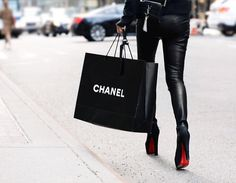 Imagem de chanel, fashion, and black