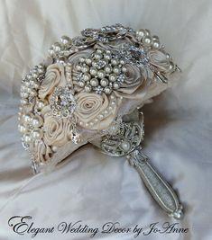 STUNNING Brooch Bouquet  Elegant Rosette por Elegantweddingdecor, $365.00