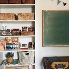 homeschool resources and school space inspiration Hi Everyone! It's back to school time and fall wea Home Learning, Learning Spaces, Minimalist Homeschool, Kid Spaces, Play Spaces, Black Decor, Sweet Home, Design, Fall Weather
