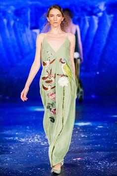 Татьяна Парфенова    Tatyana Parfionova       FASHION                     Haute Couture 2016/2017 «Истории лебедя»