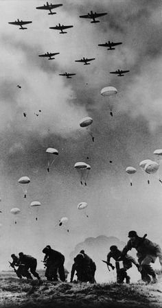 German campaign in Greece/ conquest of Crete German paratroopers landing in Crete May 1941 Military Drawings, Military Tattoos, Military Art, Military History, Battle Of Crete, War Tattoo, War Photography, Jolie Photo, World War Two